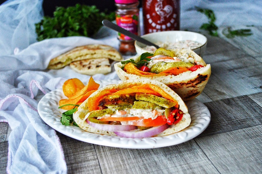 herbed-grilled-chicken-and-chips-pita-pockets